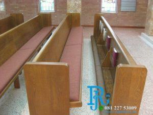 Bangku Gereja Katolik Jati Minimalis