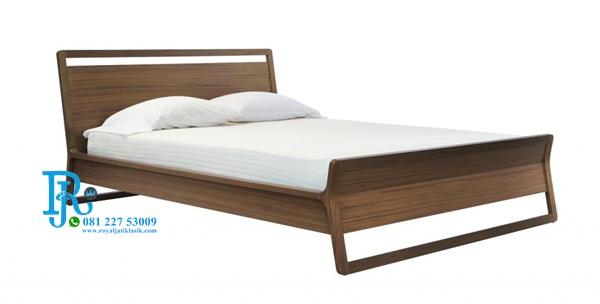 Ranjang Tidur Minimalis Jati Model Retro