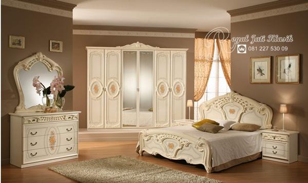 Kamar Tidur Set Mewah Royal Lavelle